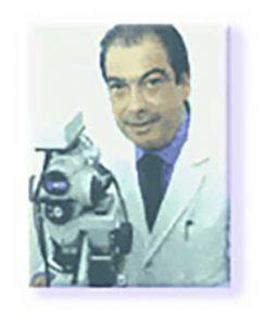Dr-Enzo-DI-MAIO-col-suo-colposcopio-2